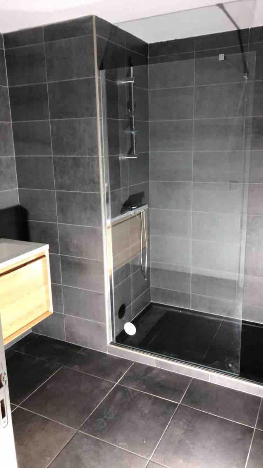 Exemple de plusieurs salle de bain réalisées par la société E.G.U